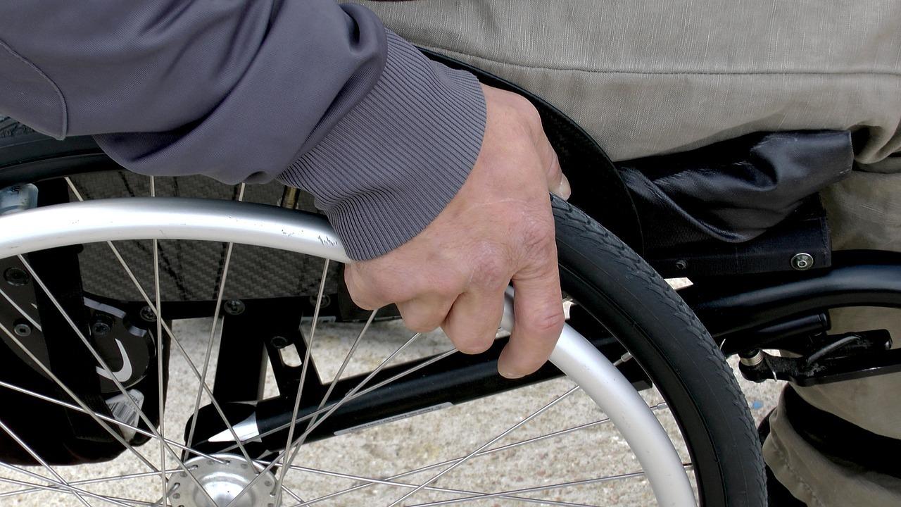 Wsparcie dla osób z niepełnosprawnościami. Ministerstwo ogłosiło plan