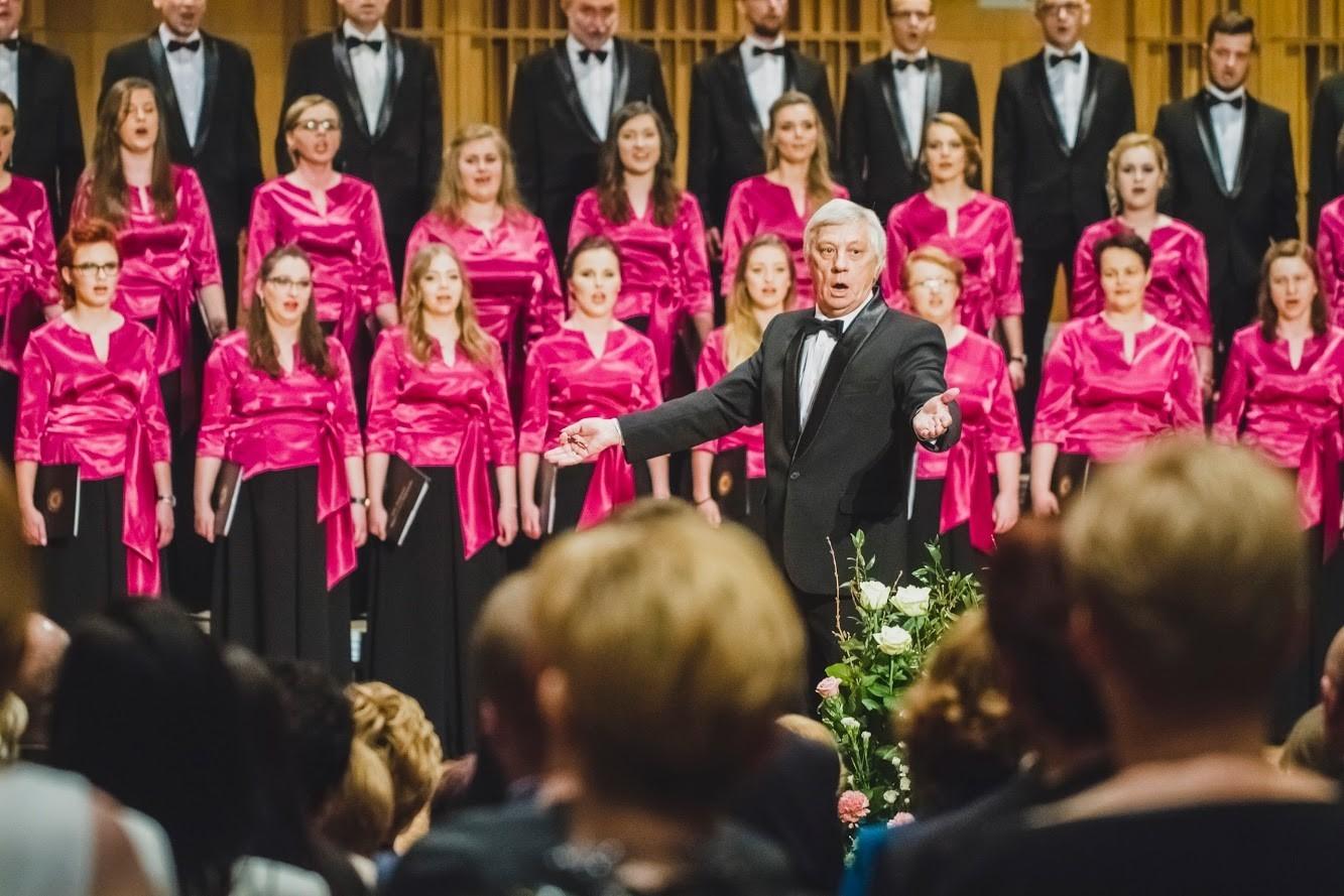 Chór UwB zaprasza do wspólnego śpiewania pieśni patriotycznych – na wszystkie koncerty wstęp jest wolny