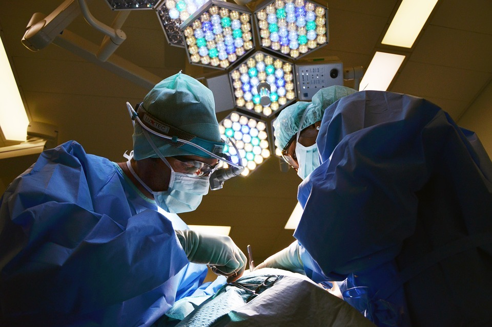 Po raz pierwszy w Polsce wszczepiono implanty ślimakowe nowej generacji