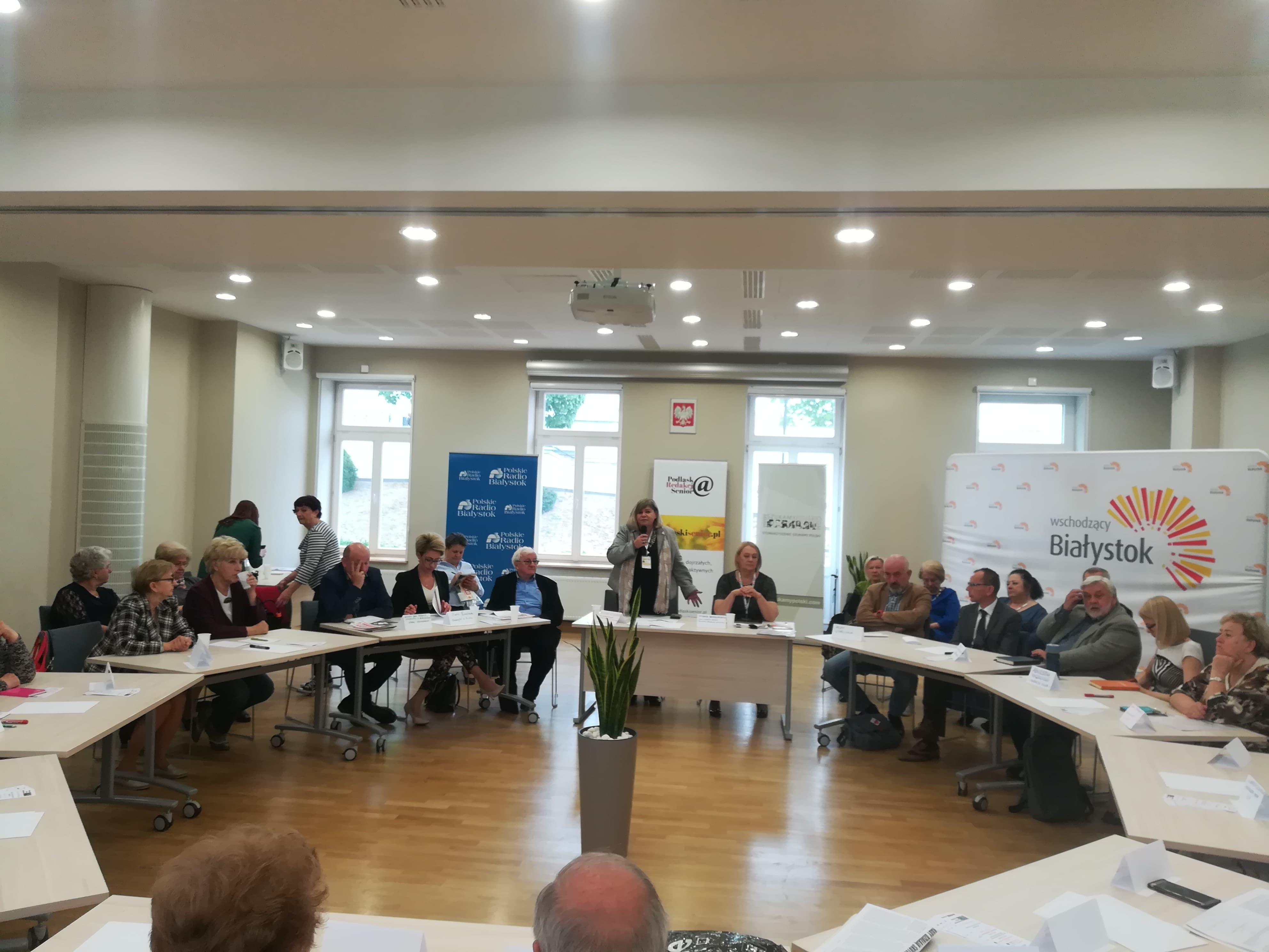 Okrągły stół o przyszłości seniorów w Białymstoku
